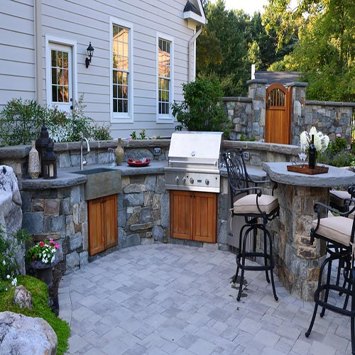 outdoor-kitchen-build with essentials